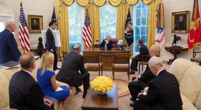 Image Credits: White House / Flickr téléphones mobiles personnels